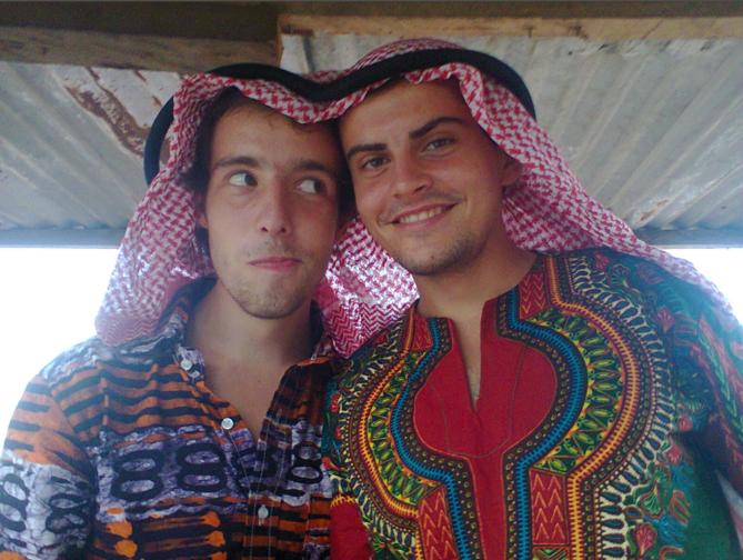 Nein, wir sind nicht zur Boko Haram übergetreten, sonder haben ein muslimisches Namensgebungsfest besucht ;)